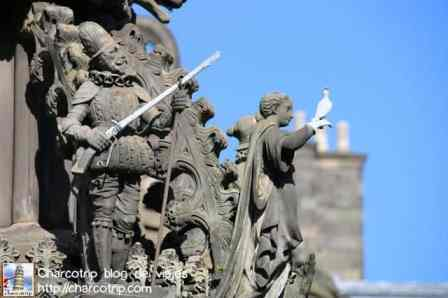 estatua-holyroodhouse