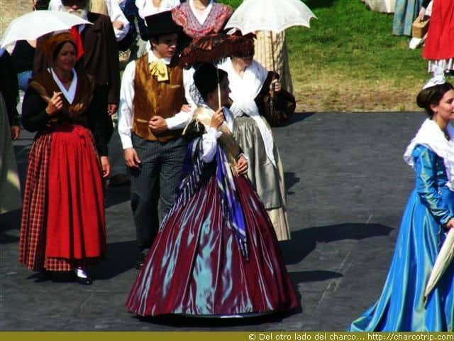 fiesta-traje-arles-vestido-morado
