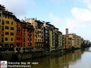 Edificios que se ven desde el puente