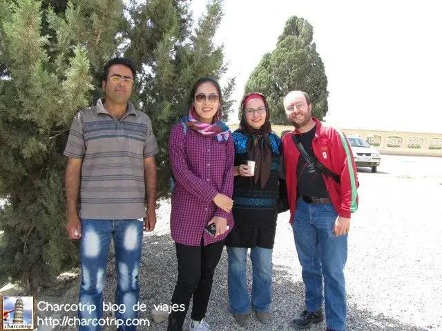 Nuestro guía, Summer, Vicente y yo