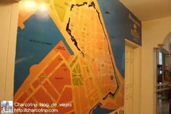 Mapa de Cartagena en la recepcion.