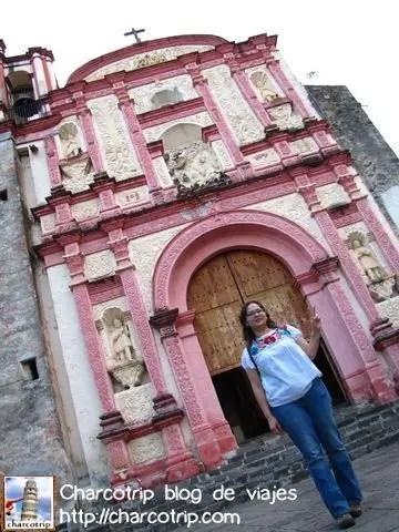 iglesia-rosa-yyo