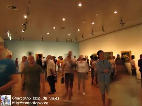 NO se puede tomar foto a las pinturas en si, pero al ambiente general si... así que para que se den una idea de como es el museo por dentro...