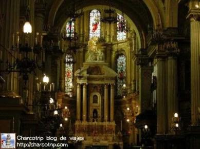 El interior de las iglesias en Leon