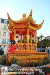 Un kiosco chino nos da la bienvenida