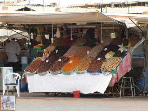 Puestos de venta de datiles y otras frutas secas