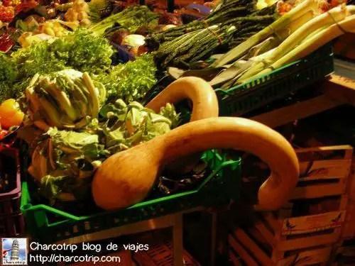 Venta de verduras en Pisa
