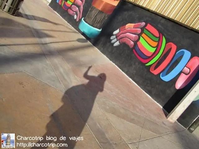 Las manos y mi sombra