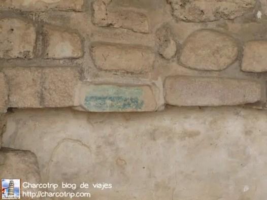 Azul en la piedra