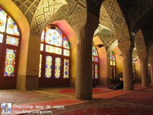 shiraz mezquita Nasir-al-Molk interior