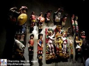 algunas de las esculturas coloreadas como serian en aquella época