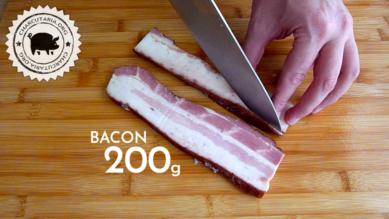 linguiça de quibe kibbeh sausage bacon