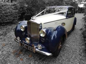 1951 Bentley Saloon prepared for the wedding - great wedding vehicle