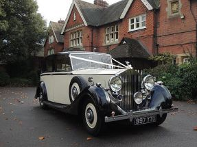 1939 Rolls-Royce Wraith ready for a wedding - magical wedding car