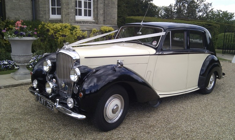 bentley-mark-6-1952-walter-ready-for-the-wedding-2