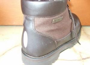 靴にも貼れる反射シール