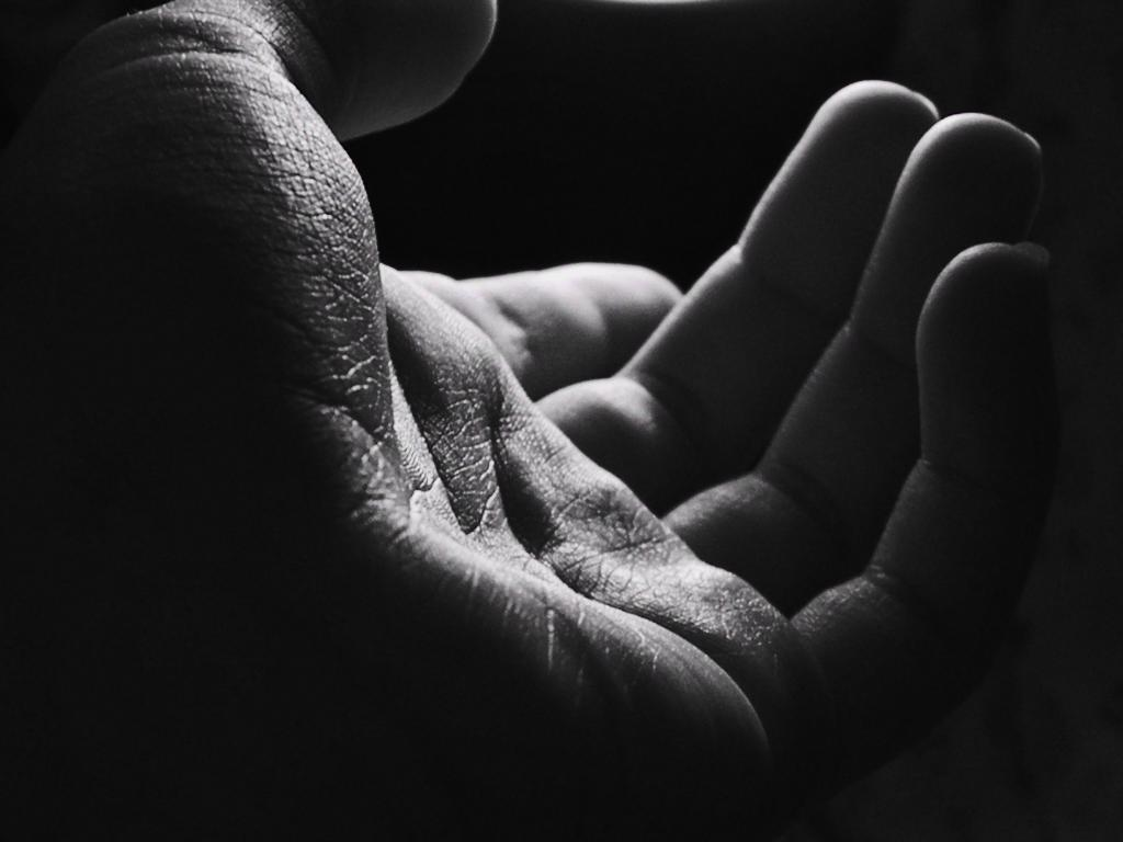 give-me-your-hand-5221