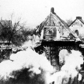 4_Burning Eisenach Synagogue, November 1938 Pogroms