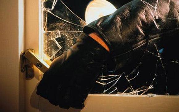 burglar-break-window.jpg