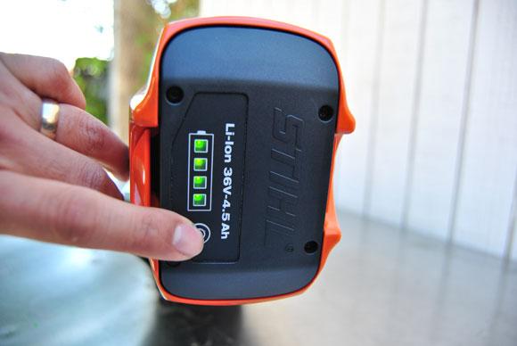 fuel-gauge-battery-stihl.jpg
