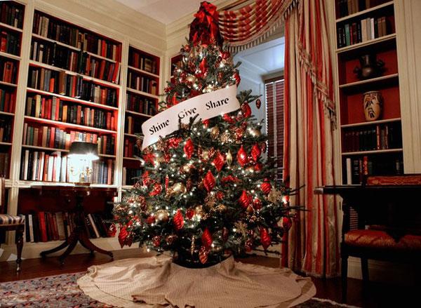 white-house-tree-obama.jpg