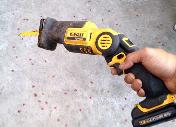 dewalt-pivot-recip-saw