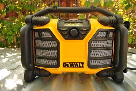 dcr015-dewalt-worksite-radio
