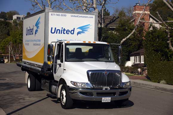 united-moving-truck