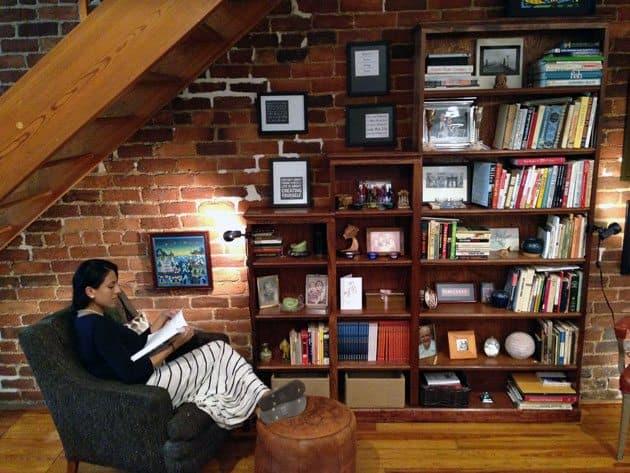 TVRoom-Bookshelf2