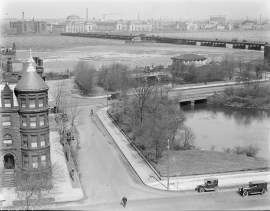 Beginning of the Fens at Charles River, near Kenmore Square by Leslie Jones (ca. 1930). Courtesy of the Boston Public Library, Leslie Jones Collection