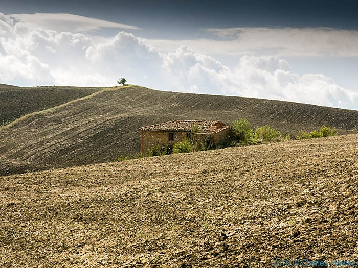 Casa Piani, outside Pienza, photographed by Charles Hawes