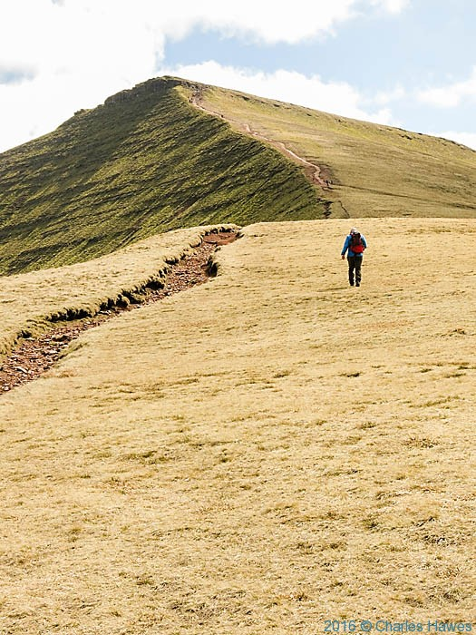 Path from Tommy Jones memorial to Corn Du, photographed by Charles Hawes