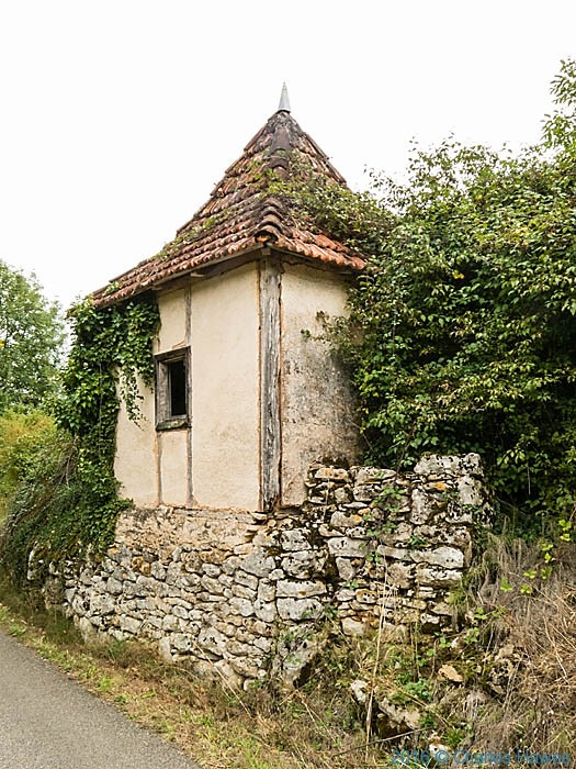 Ruined building near Saint Jean Lespinasse, France, photographed by Charles Hawes