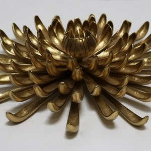 Brass Chrysanthamum Candle Stand