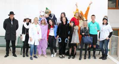 Photo de tous les élèves déguisés