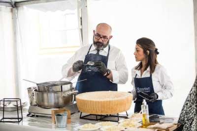 Stand de la Mazzarine et des Linguini au parmesan