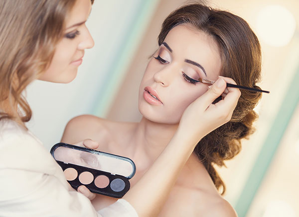 Hair and Makeup Tips For Amazing Looking Bridesmaids