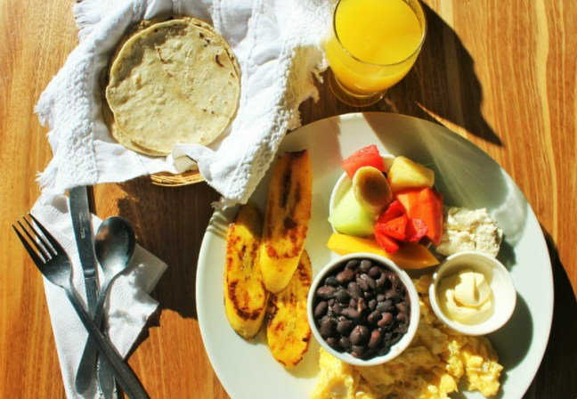 Typical Guatemala breakfast at Deli Jasmin Panajachel Lake Atitlan - vegetarian in Lake Atitlan - Charlie on Travel header