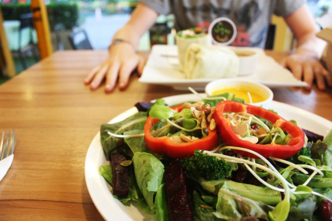 Raw Food Thailand - The Salad Concept Chiang Mai - Charlie on Travel