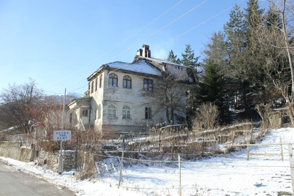 Where to stay when skiing in Mavrovo Macedonia - Charlie on Travel