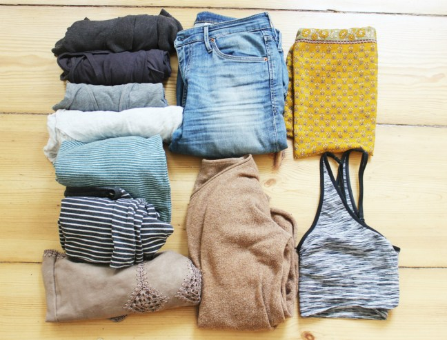 Travel Clothes | How to Pack Light