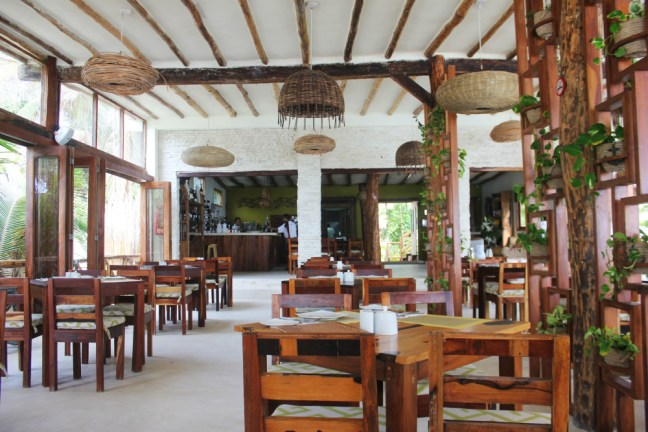 Tulum breakfast in Rosa del Viento - Charlie on Travel
