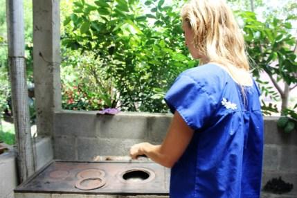 Lisa shows us an ecological stove