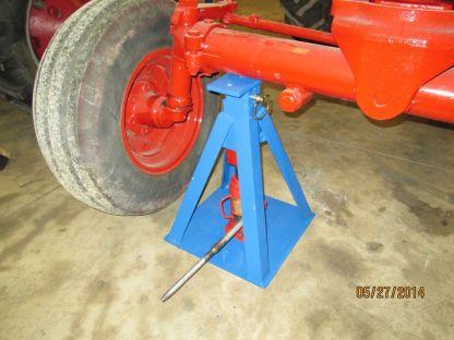 4-way raises wide front axle