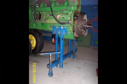 Here is a picture of an earlier version of the splitting stand on a John Deere 4020 tractor.
