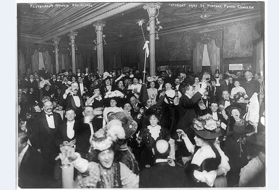 1907-a-new-years-eve-celebration-at-restaurant-martin-in-new-york-city-things-have-gotten-livelier