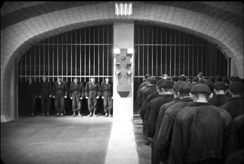 "Kadr z filmu ""Metropolis"". Źródło: http://www.rowthree.com/2010/05/06/tcm-film-festival-the-complete-metropolis-1927/"