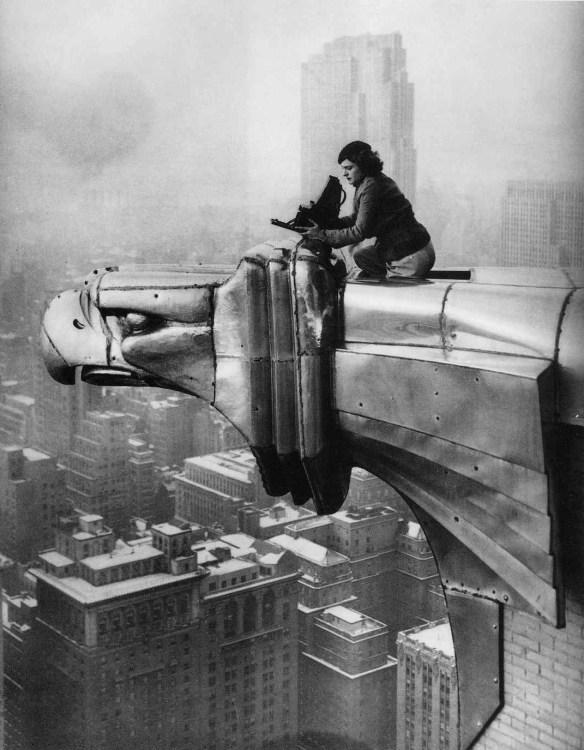 Margaret Bourke-White pracuje na szczycie budynku Chryslera. Nowy Jork, 1934