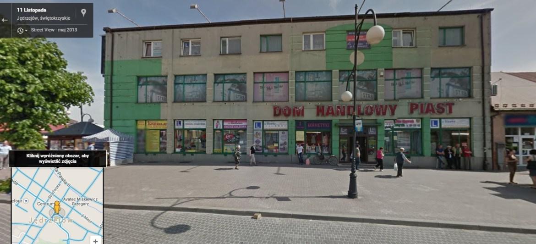 """Kolejny cud """"siódemki"""" - Jędrzejów - jako całość. Tutaj Dom Handlowy Piast. Źródło: Google Street view."""