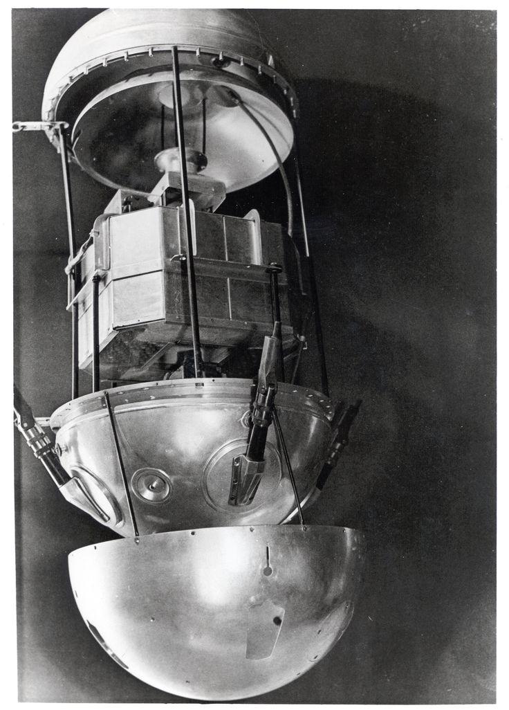 Sputnik 1. Źródło: pinterest.com